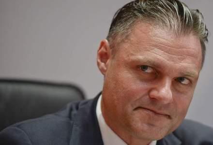 Pranz cu fotbalistul care conduce Fondul Proprietatea: Despre Euro 2012 si trecerea de la socialism la capitalism in doua zile