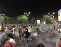 60 de protestatari, la...