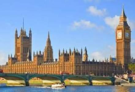 Londra poate pierde statutul de prim centru financiar mondial, din cauza scandalurilor