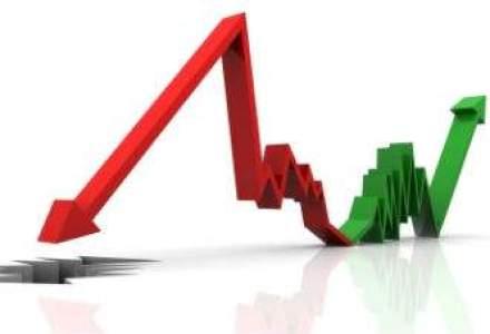 Euro a scazut luni la minimul ultimilor doi ani