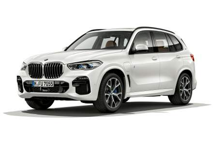 A doua generatie BMW X5 xDrive45e iPerformance poate rula electric pana la o viteza de 140 km/h