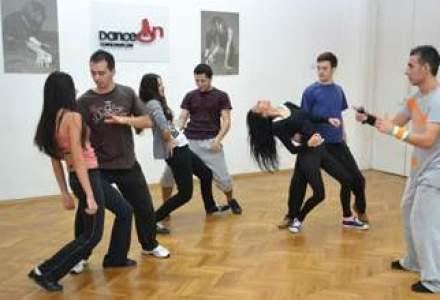 De la aditivi alimentari la scoala de dans: Ce dificultati si provocari intampini in acest business