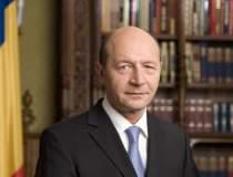 Basescu: Opozitia face un...