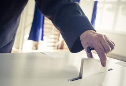 USR avertizeaza: Guvernul arunca in aer credibilitatea referendumului