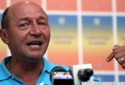 Basescu: Le voi tranti usa in nas celor care vin sa ma recenzeze