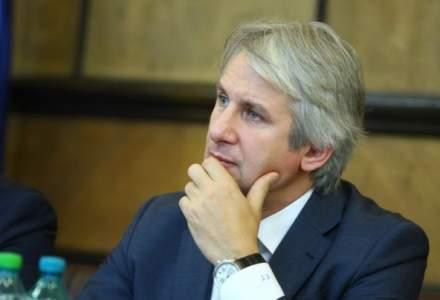 Revista presei 31 octombrie: Eugen Teodorovici, dator pe viata la banci. Are un credit de 573.547 de euro doar la BCR