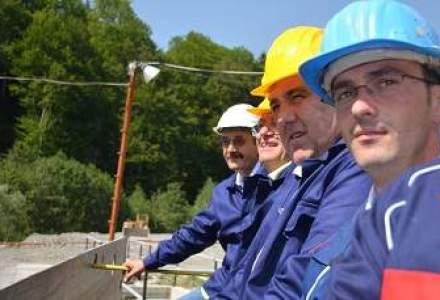 Fata in fata cu angajatii ajunsi vedete la Hidroelectrica. Sunt adevarate salariile de 2.000 euro?