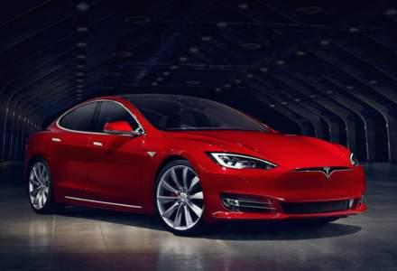 Tesla a marit pretul pentru versiunile de baza ale lui Model S si Model X: clientii platesc cu 1.500 de euro mai mult