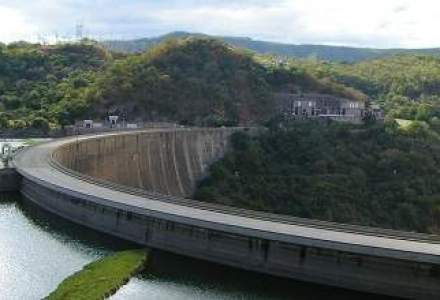 """Hidroelectrica denunta inca un contract cu """"baietii destepti"""", prin care a pierdut 254 mil. lei"""