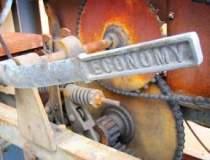 Economia merge cu frana...