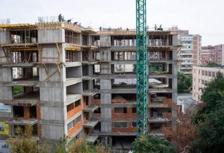 Revista presei, 15 noiembrie: 500 de romani au fost pagubiti cu 3.000.000 de euro de un tanar care vinde apartamente ilegal