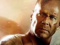 Bruce Willis vrea sa dea in...