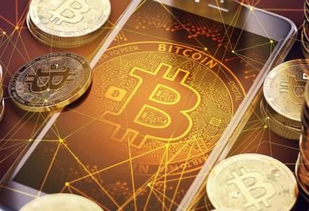 Bitcoin incearca sa isi revina dupa o saptamana in care a scazut cu 40%: exista totusi si o veste buna