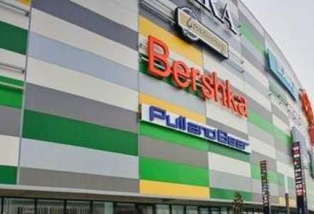 PICA! Bucati din tavanul Galeria Arad, un mall de 70 mil. euro, s-au prabusit