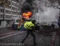 Proteste violente in Paris:...