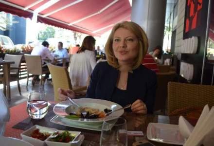 """Pranz cu Violeta Luca: cum poti ajunge prin propriiile-ti forte de la o """"comuna anonima"""" din Bacau la varful Flanco [VIDEO-FOTO]"""