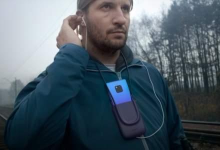 """Huawei ii ajuta pe nevazatori sa """"vada"""" si sa inteleaga reactiile celor de jur cu ajutorul inteligentei artificiale"""