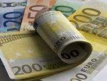 Euro a batut la cota 3,8 lei