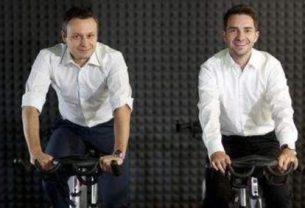 Povestea antreprenorilor care ii trimit pe corporatisti la sala de sport. Detalii in emisiunea Start-Up Wall-Street