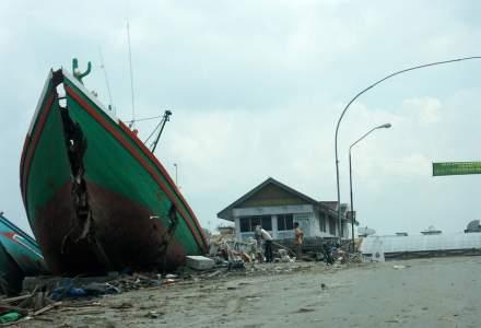 Indonezia: 168 de morti, zeci de disparuti si sute de raniti in urma unui tsunami