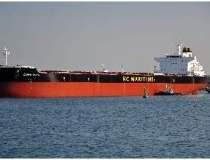 Doua nave pentru transport de...