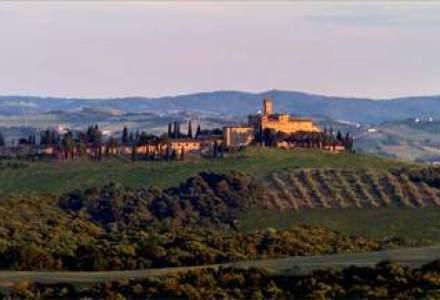 "REPORTAJ foto-video la faimoasele vii Toscane: castele medievale, vinuri de mii de euro si degustari ""ca la carte"" (I)"