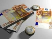Rezervele valutare ale BNR au...