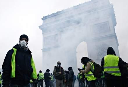 Proteste in Franta: vestele galbene au iesit in strada pentru al zecelea weekend consecutiv