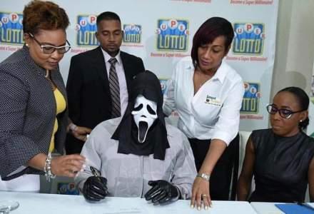 Acesta este castigatorul loteriei din Jamaica dupa ce a incasat 1 mil. euro