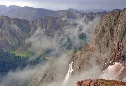 Cod galben de vant puternic pentru zona de munte din 27 de judete, pana luni dupa-amiaza