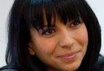 Sefa Avon muta lupta pe Internet si se gandeste la o fabrica in Romania