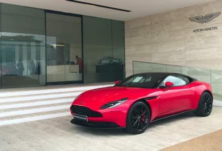 In vizita la fabricile Aston Martin din Anglia unde sunt produse noile modele si restaurate cele vechi