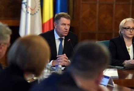 Iohannis: Asaltul majoritatii PSD la adresa statului de drept risca sa fragileze statutul Romaniei in NATO si UE. Reactia premierului Dancila