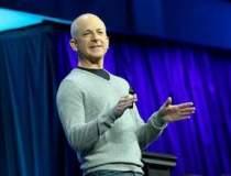 LOVITURA pentru Microsoft:...