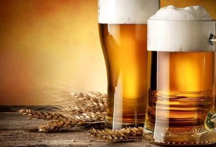Romanii consuma din ce in ce mai multa bere: berea fara alcool si berea la sticla, tot mai preferate de romani