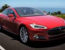 Sedanul electric Tesla Model...