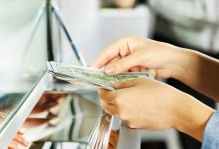 Curs valutar BNR astazi, 11 aprilie: leul recupereaza ceva din pierdere in fata euro si a dolarului
