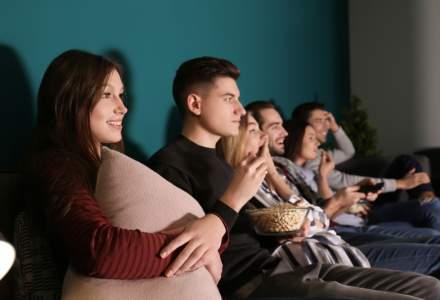 Cum iti poti transforma livingul intr-o sala de cinema