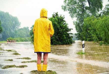 Cod galben de ploi torentiale pana miercuri. Judetele vizate
