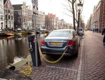 Amsterdam interzice barcile...