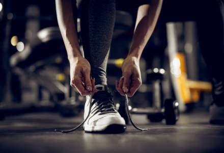 Businessman in tenisi: reduceri la sneakers pentru cei mereu in miscare