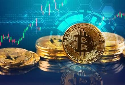 S-a trezit Bitcoin! Moneda a dublat banii investitorilor luna aceasta si devine un colac de salvare cand politicienii nu se inteleg intre ei