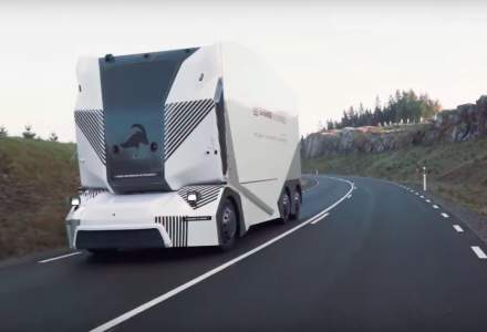 VIDEO: Un camion electric fara sofer circula pe drumurile publice din Suedia