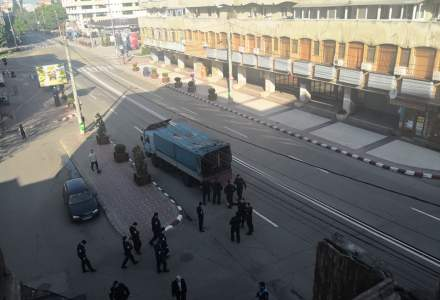 Baraje de Politie, jandarmi si strazi inchise la Targoviste inainte de mitingul PSD