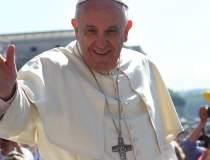 Papa Francisc in Romania: Mii...