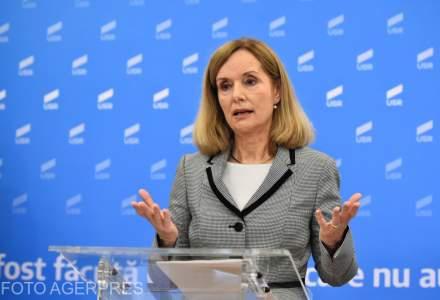 Presedinta USR Bucuresti: Gabriela Firea nu se pricepe deloc la solutii, dar stie de minune sa gaseasca falsi vinovati. S-a razboit cu toata lumea, mai putin cu propria incompetenta