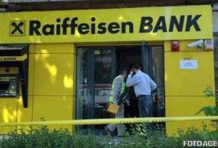 Jaf armat la o banca din Bucuresti in ajun de Craciun