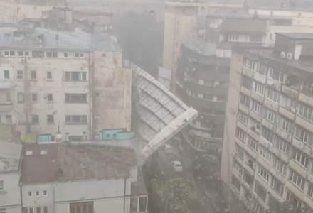Pericol in Bucuresti: schele smulse de vant dupa o vijelie de 10 minute. Primaria Capitalei: rafalele de vant au inregistrat si 36 km/h