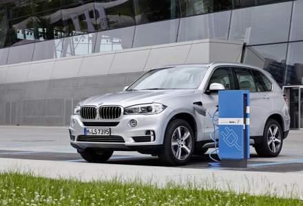 Modelele BMW plug-in hibrid vor trece automat in modul electric in 2020, cand vor intra in anumite zone din orase