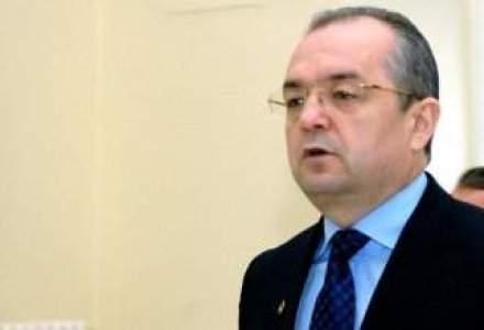 Boc: Premierul Ponta trebuie sa adopte ordonanta care permite autoritatilor sa nu majoreze taxele